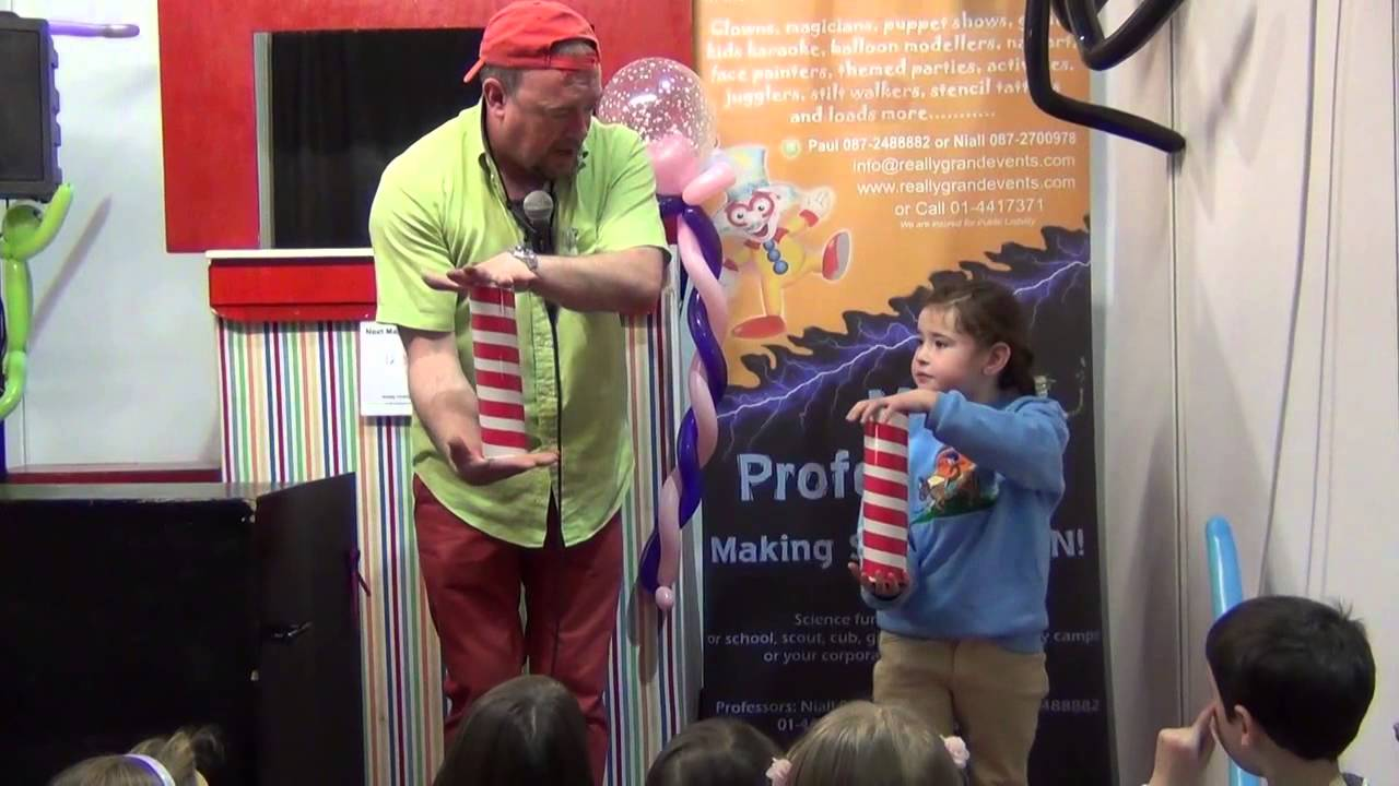 Make Your Child's Party Special By Getting Magician Bedfordshire To Perform There